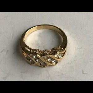 Women Vintage Ring, Gold w Rhinestone